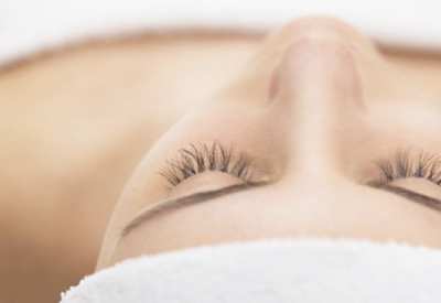 Microdermabrasion: What is it and how does it improve your skin?